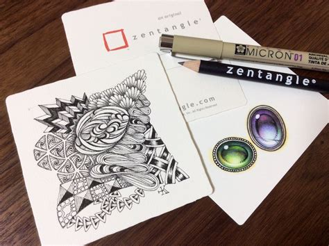 Kae Yoshino, certified zentangle artist and her structured tangled drawings with gems