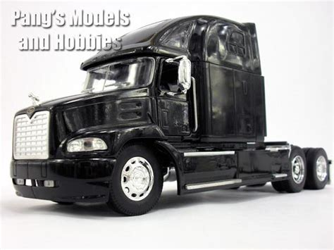 Mack Vision Truck Diecast Metal 1/32 Scale Model by NewRay